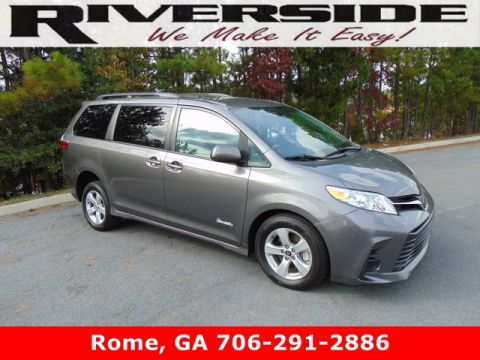 Pre-Owned 2018 Toyota Sienna LE Mobility